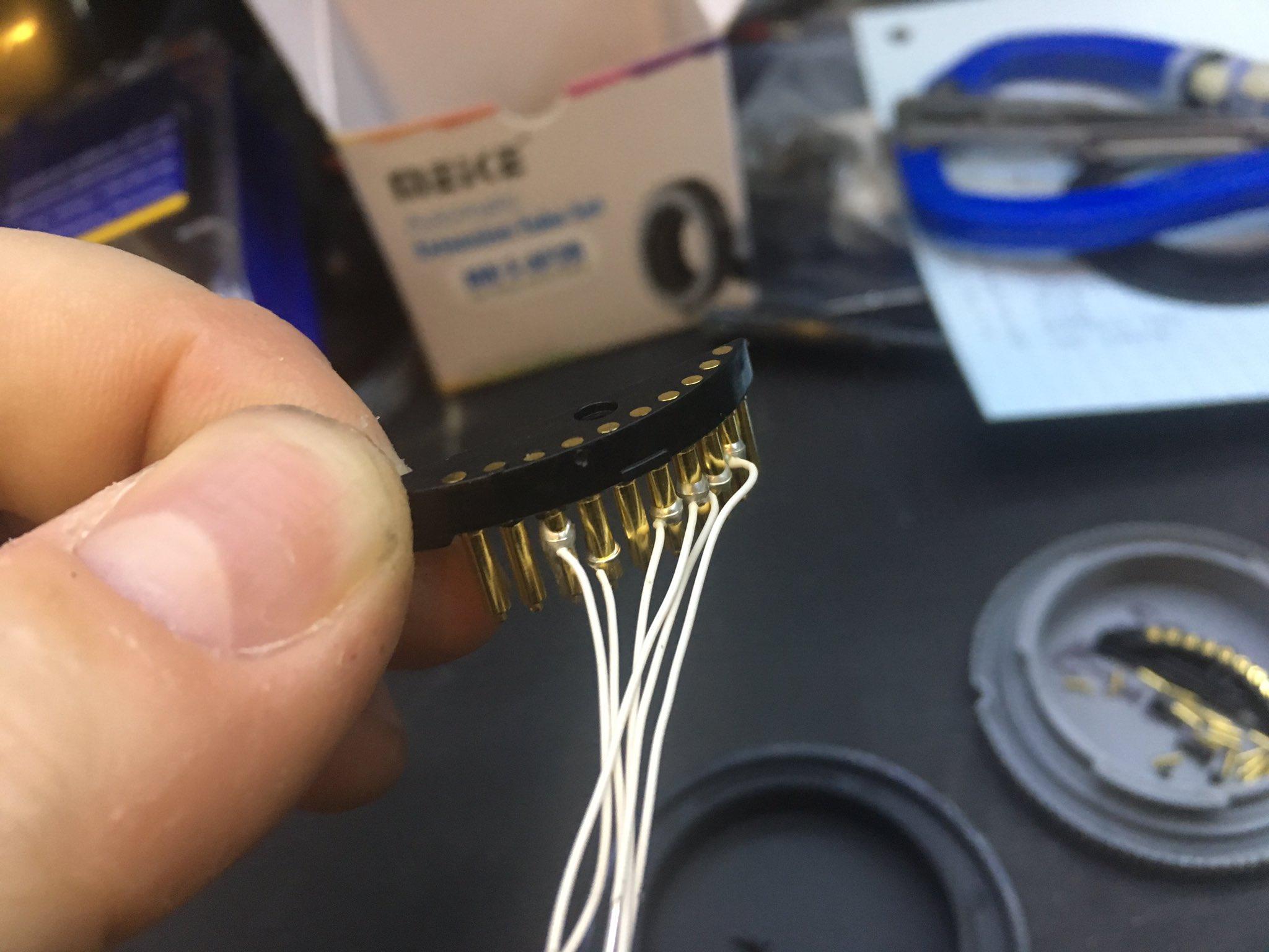 Sony E-Mount pins 1